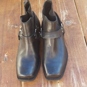Dingo ankle boots